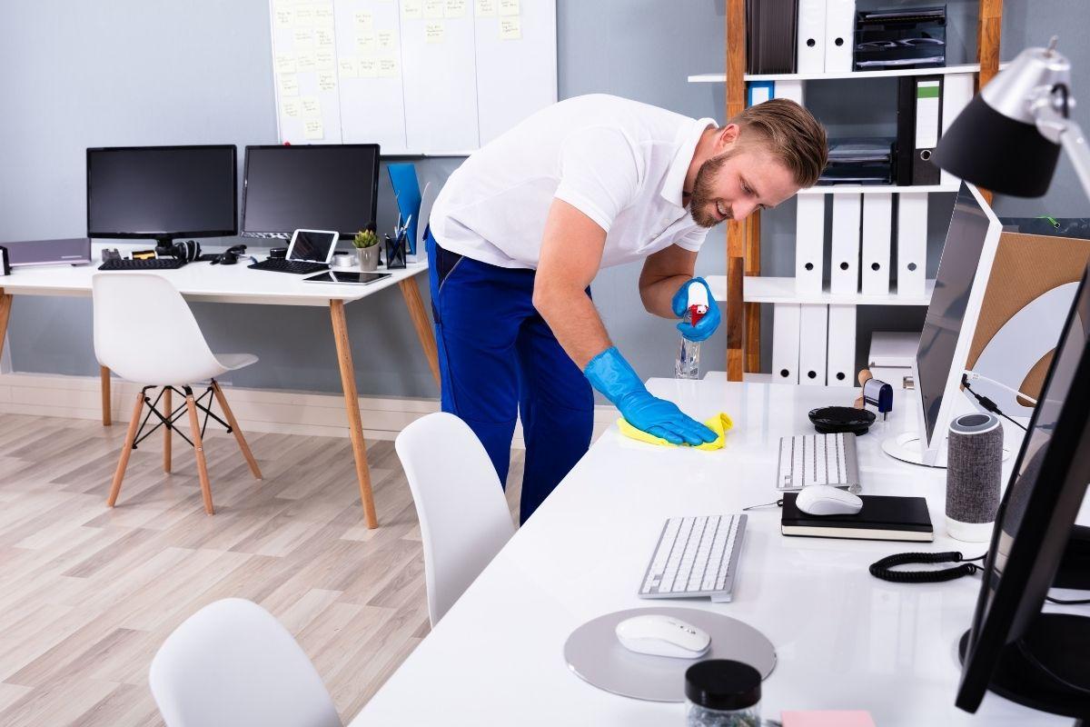Reinigungskraft Cosy Clean Reinigungsfirma Berlin