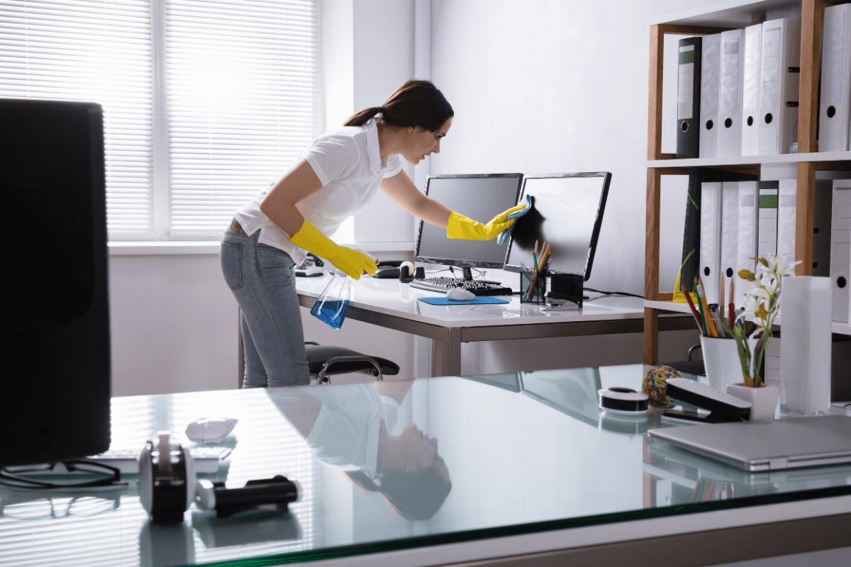 Reinigungskraft Büroreinigung Berlin Cosy Clean Reinigungsfirma Berlin